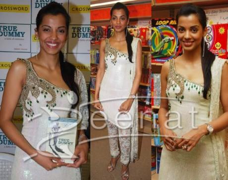 Mughda Godse Indian Churidar Suit