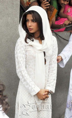 Priyanka Chopra White Salwar Kameez
