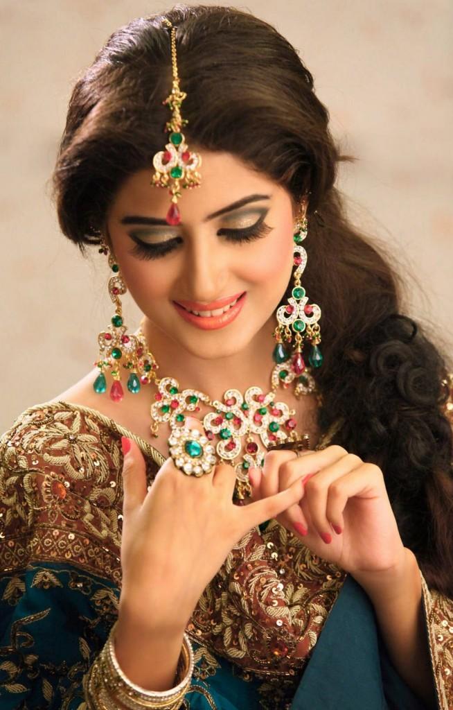 Sajal Ali Bridal Jewelry – Wedding Shoot