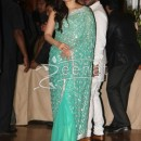 Kareena Kapoor at Ritesh Deshmukh Genelia Wedding Reception at Hotel Grand Hyatt in Mumbai
