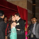 Kareena Kapoor hugging father Randhir Kapoor at Ritesh Deshmukh Genelia Wedding