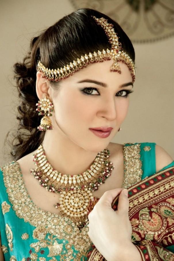 Ayesha Omer Bridal Makeover (5)