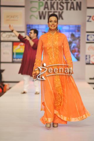Sadia Imam In Designer Nomi Ansari Dress At Fashion Pakistan Week