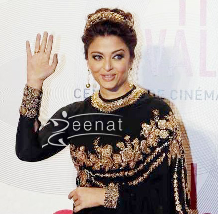 3bc259f07d300b ... full sleeves blouse. Aishwarya-Rai-In-Designer-Saree