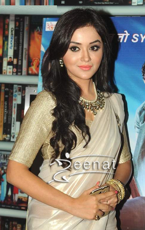 Ragini-Nandwani-In-Saree-at-dehradun-diary-primere