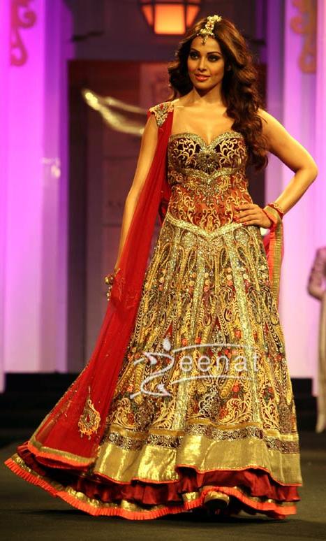 Bipasha Basu In Indian Bridal Fashion Week