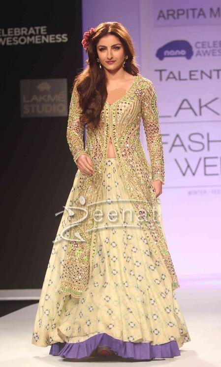 Soha Ali Khan at Arpita Mehta Show at Lakme Fashion Week Winter Festive 2013