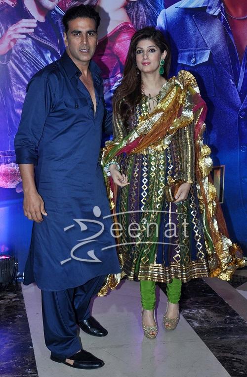 Akshay Kumar   Zeenat Style