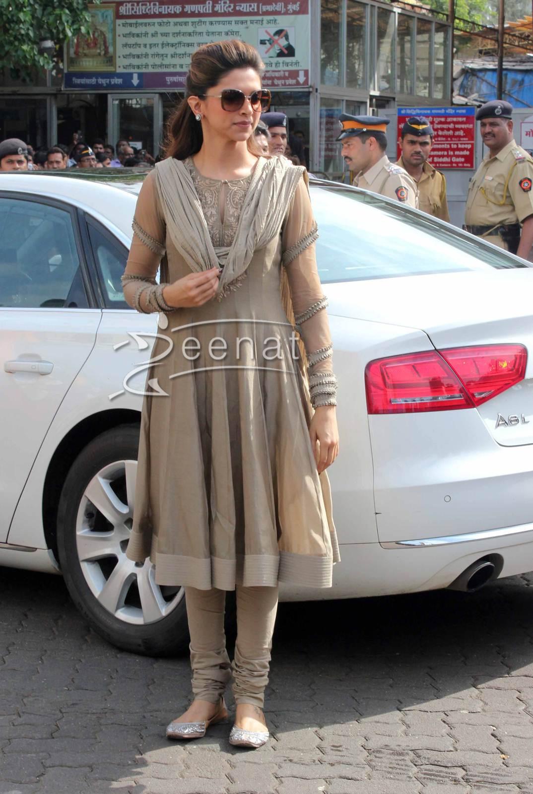 Deepika Padukone Anarkali Salwar Kameez | Zeenat Style