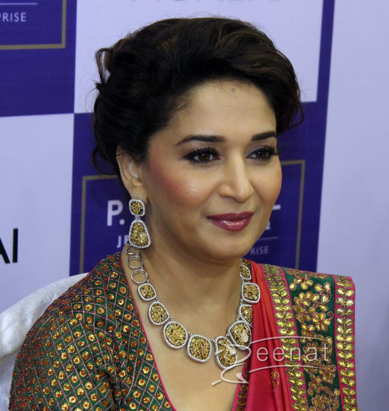 Madhuri Dixit In Saree | Zeenat Style