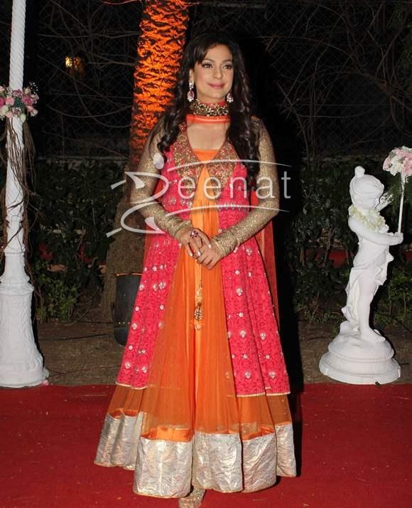 Juhi Chawla In Orange Anarkali Frock | Zeenat Style
