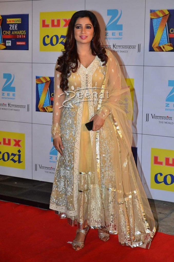 Shriya Ghosal at mumbai zee cine award 2014