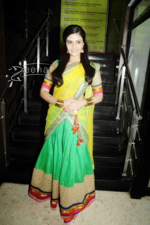 Srimukhi-half-saree-2 | Zeenat Style
