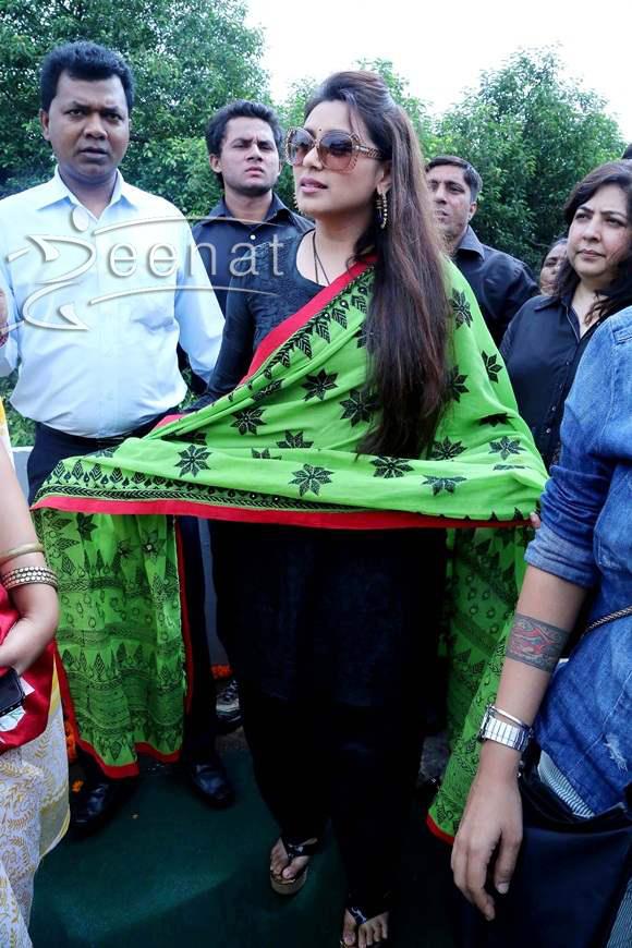 Rani-Mukherjee-visits-anti-trafficking-NGO-Apne-Aap-Women-Worldwide