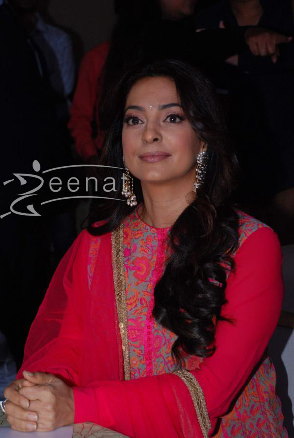 juhi-chawla-at-purwave-beauty-care-launch-1