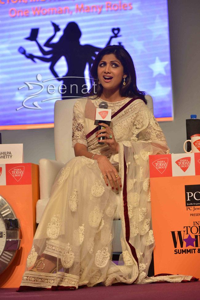 shilpa_shetty-in-tarun-thahiliani-sari