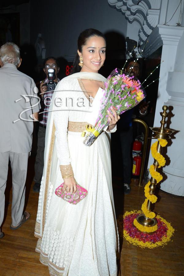 Shraddha-Kapoor-at-India-Bridal-Fashion-Week-2014