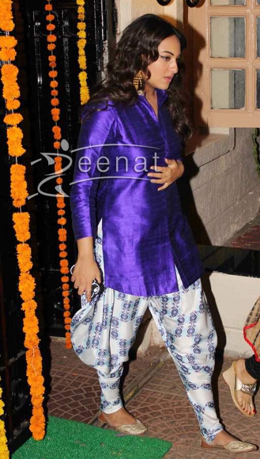 Sonakshi-Sinha-at-Ekta-Kapoor-Diwali-Party (1)