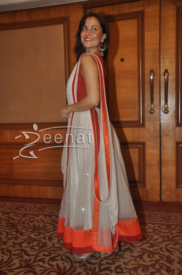 elli-avram-at-special-indian-national-anthem-launch-2