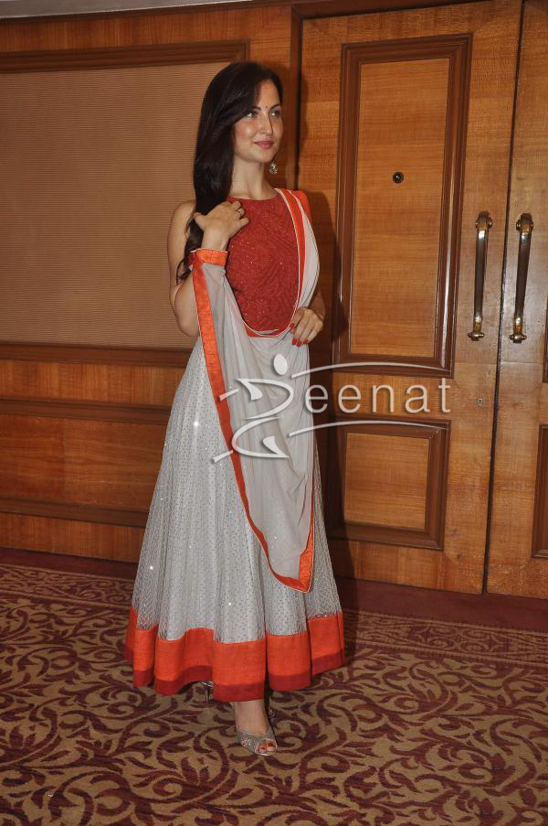elli-avram-at-special-indian-national-anthem-launch-3
