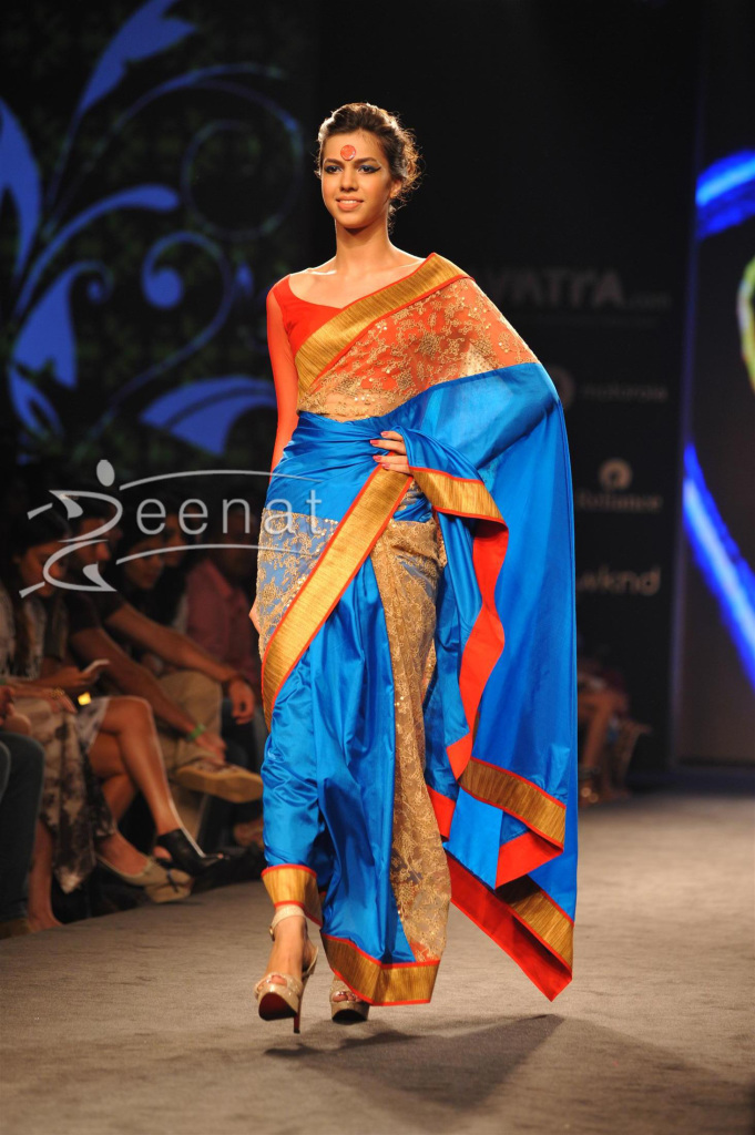 Mandira-Bedi-Ramp-Walk-at-Myntra-Fashion-Weekend-10