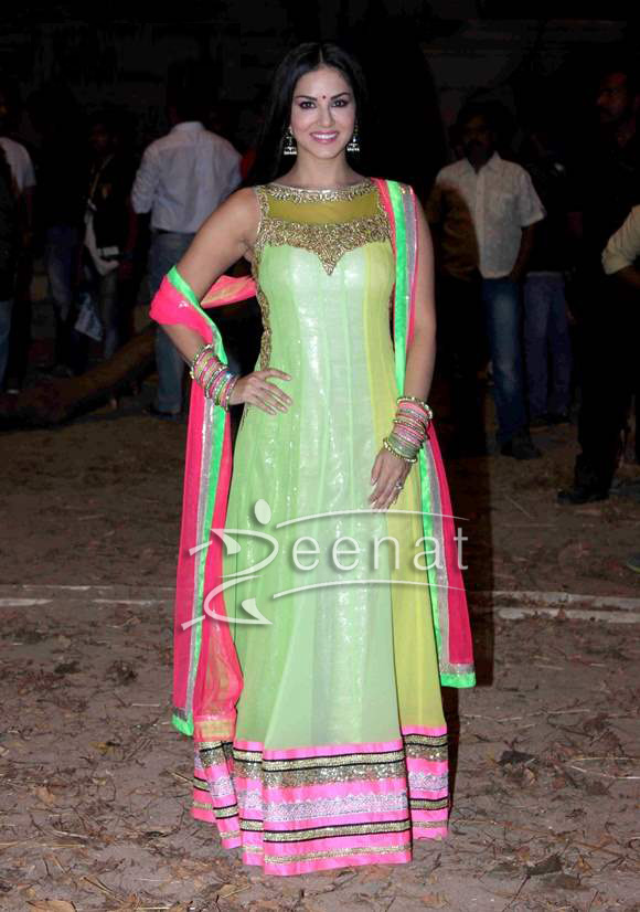 Sunny Leon at the Desi Interaction event of Ek Paheli (3)