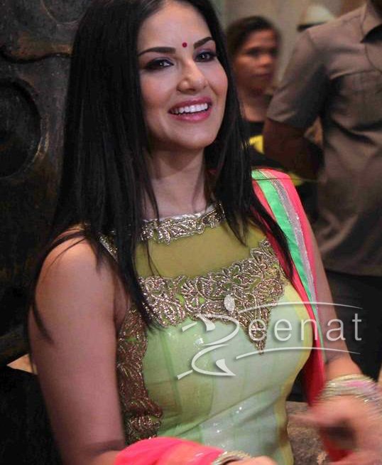 Sunny Leon at the Desi Interaction event of Ek Paheli (4)