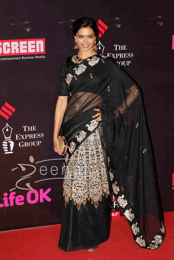 Deepika-Padukone-goes-desi-for-the-21st-Annual-Life-OK-Screen-Awards