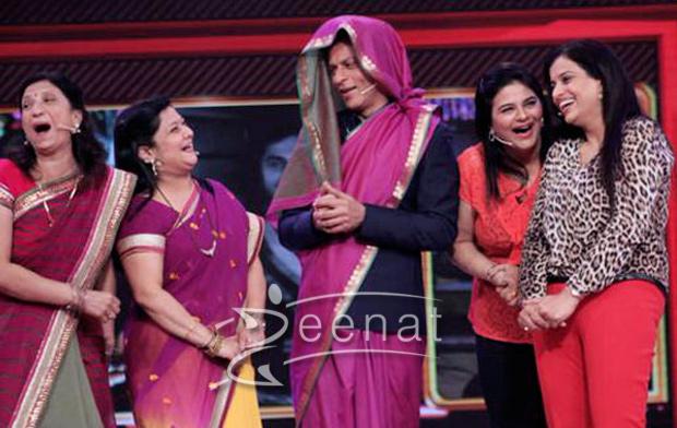 Shahrukh-khan-dons-a-saree-on-his-tv-show-