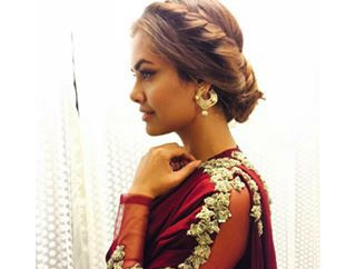 Esha Gupta In Ridhi Mehra At Suron ke Rang