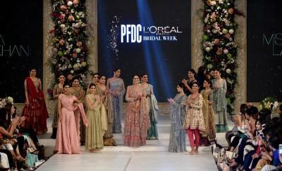 Misha Lakhani Bridal Collection at PFDC Loreal Paris Bridal Week 2015 (8)0