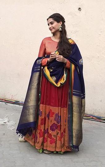 Sonam Kapoor in Shah Gaurang Prem Ratan Dhan Payo PRDP Promotion (2)