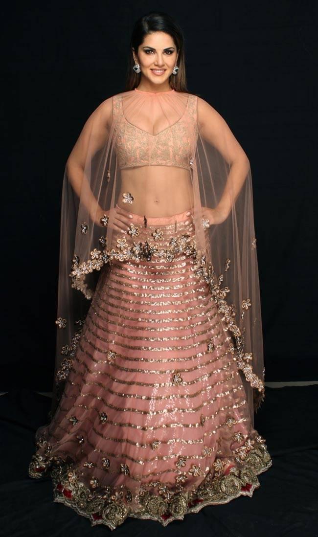 Sunny Leone Archana Kochhar Bridal Avatar3