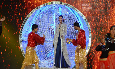 Deepika Padukone Umand Police Show In Anamika Khanna5