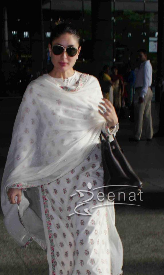Kareena Kapoor Seen At The Airport With Saif Ali Khan