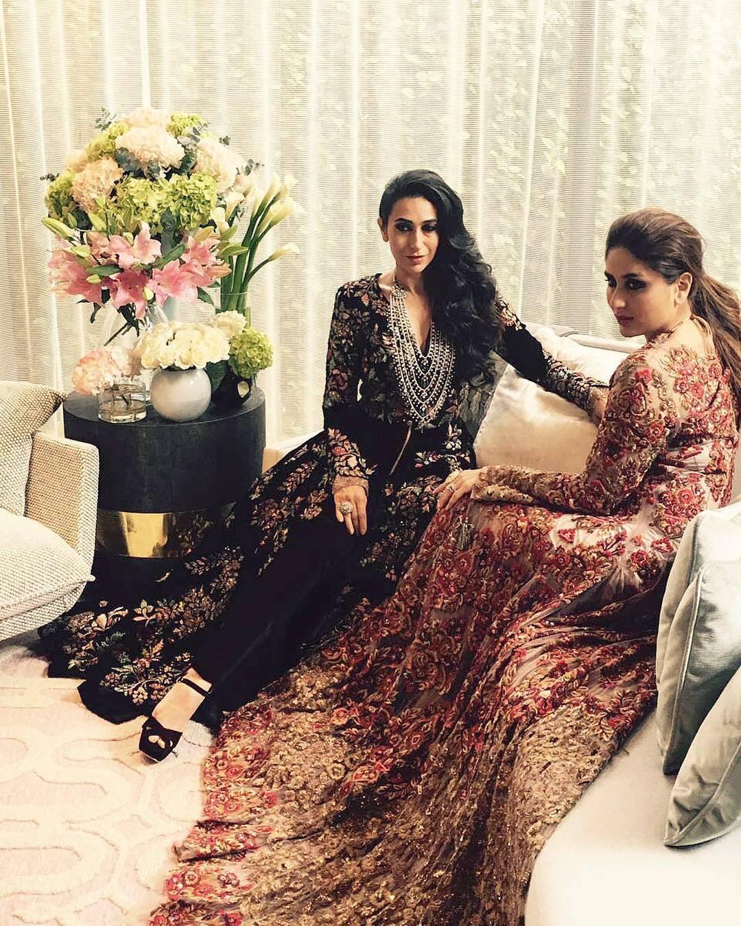 Kareena Kapoor Karisma Kapoor in Manish Malhotra For HELLO Magazine