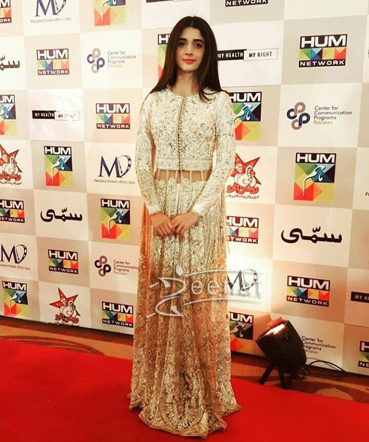 Mawra Hocane in Nomi Ansari's Dress for Sammi Presscon