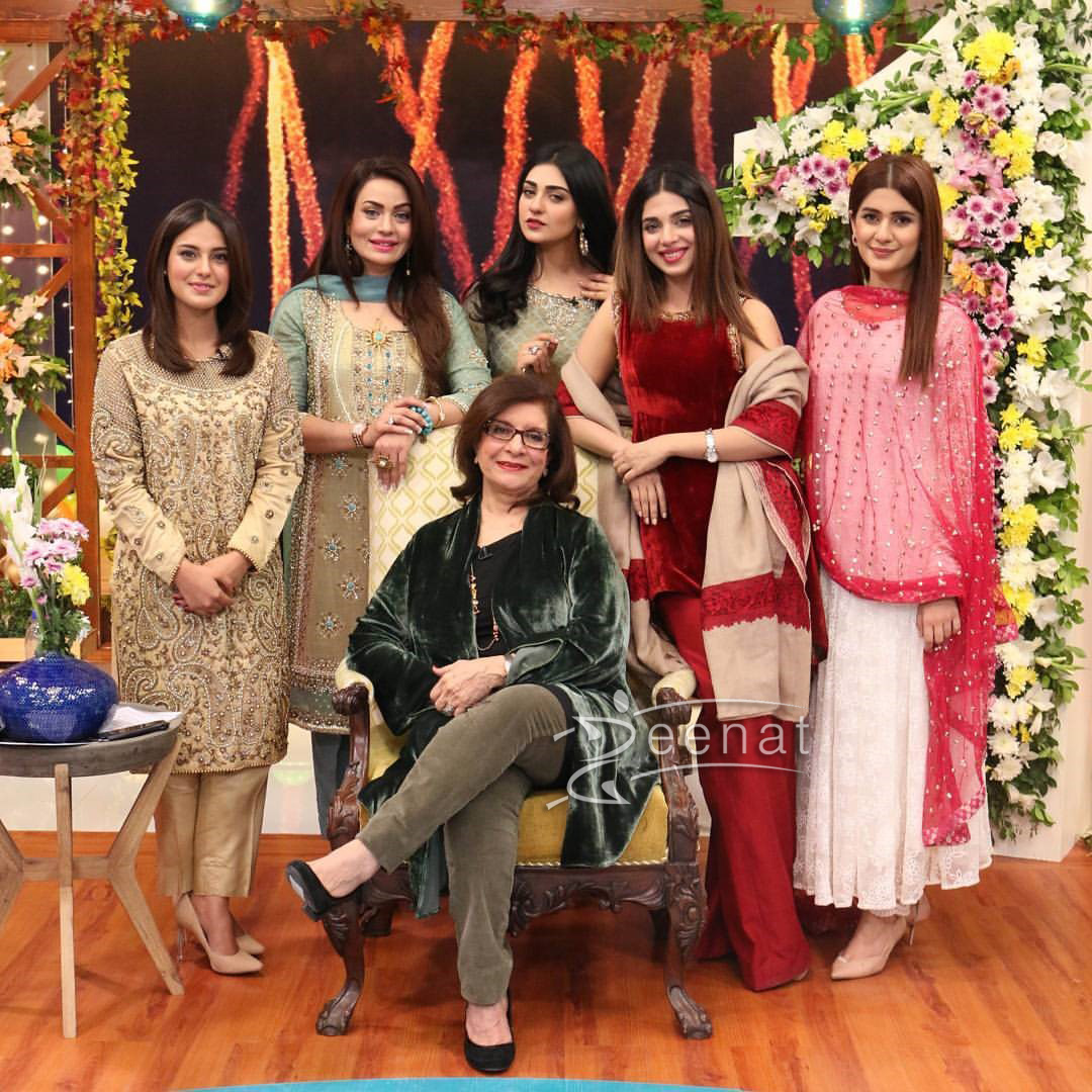 Sonya Hussyn in Tena Durrani celebrates 12 years of Hum TV