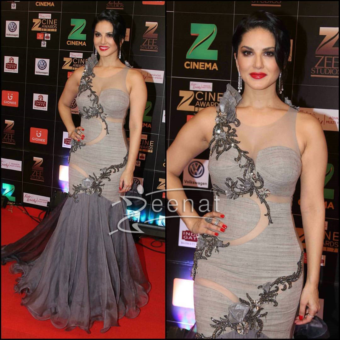Sunny Leone in Archana Kochhar Gown At Zee Cine Awards 2017