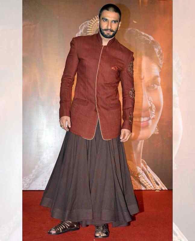 Ranveer-Singh-man-skirt