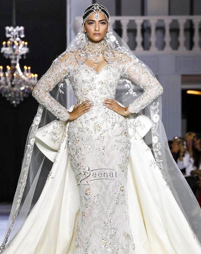sonam-kapoor-paris-couture-week-17