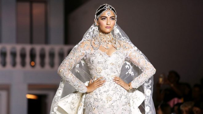 sonam-kapoor-ralph-and-russo-couture