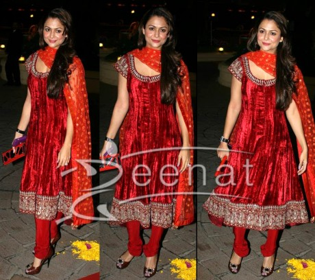 Anarkali Churidar Salwar Kameez on Amrita Arora