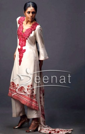 Iraj Manzoor Embroidered Parallel Suit