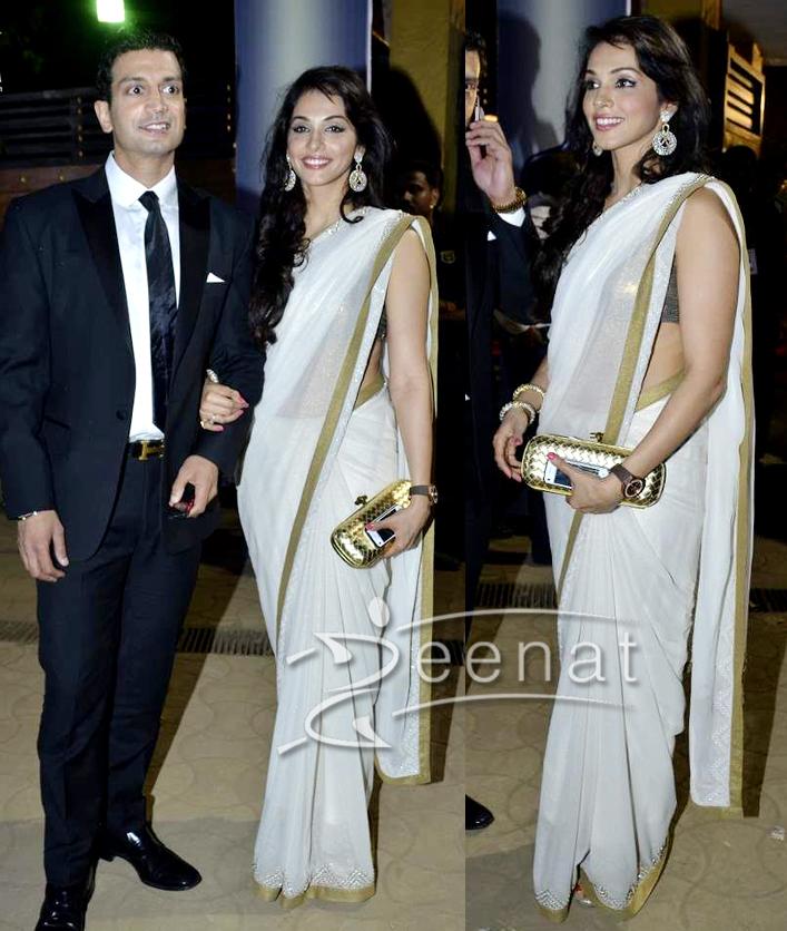 Sleeveless Bollywood Saree Isha Koppikar