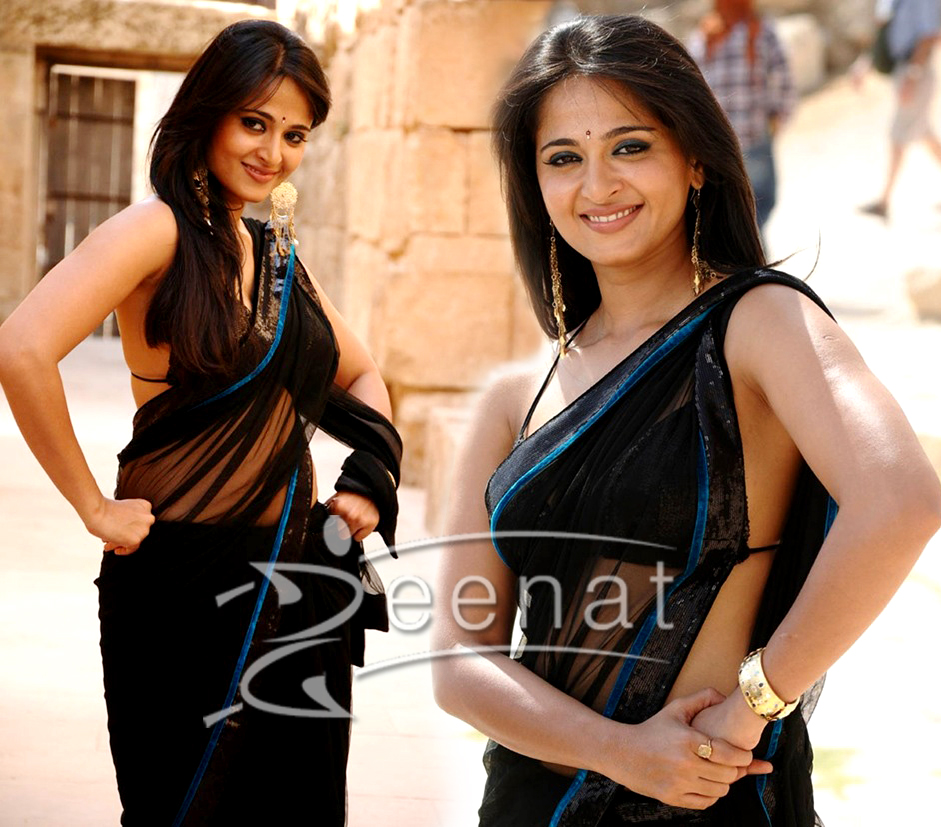 Anushka Shetty In Bikini Blouse Saree