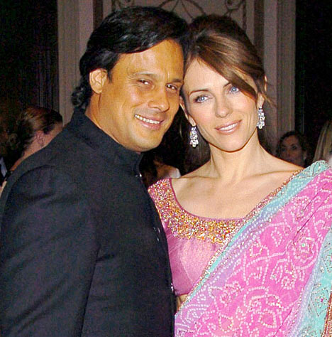 Elizabeth Hurley Pink Printed Saree