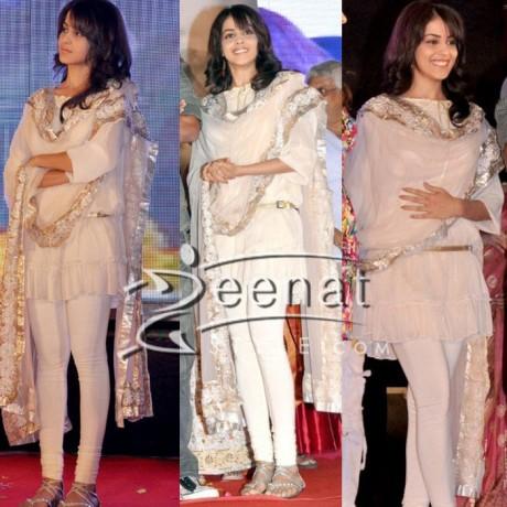 Genelia Dsouza hot sizzing dress