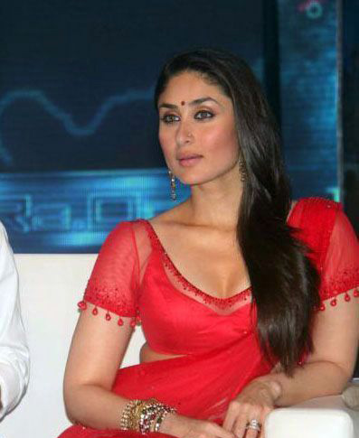 Kareena Kapoor's Deep Cleavage Net Saree