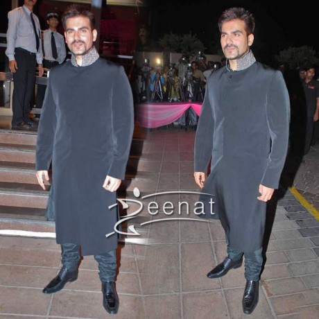 Arbaaz Khan Pumps Up The Crowd Black Indo-Western Velvet Sherwani
